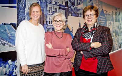 Directeur Edith en wethouders samen in Stadskrant